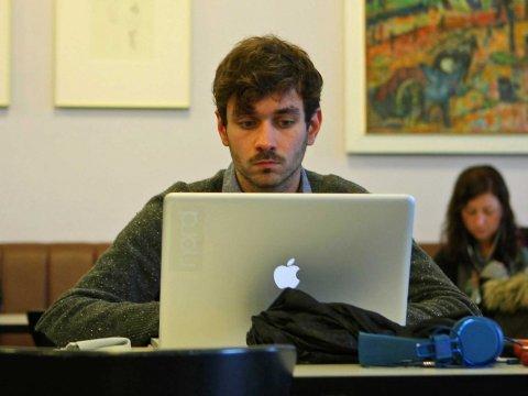 laptop-guy-working-3
