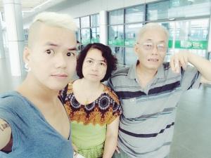 Nick và bố mẹ <3